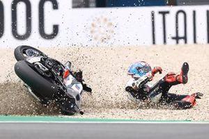Tom Sykes, BMW Motorrad WorldSBK Team, crash