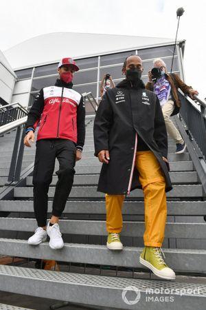 Lewis Hamilton, Mercedes W12 and Antonio Giovinazzi, Alfa Romeo Racing C41