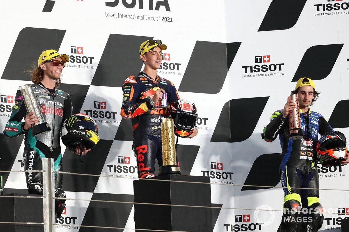 Podio: ganador Pedro Acosta, Red Bull KTM Ajo, Darryn Binder, Petronas Sprinta Racing y Niccolo Antonelli, Reale Avintia Moto3
