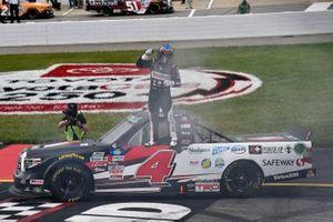 John Hunter Nemechek, Kyle Busch Motorsports, Toyota Tundra Safeway celeb rates his win