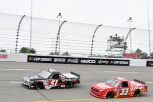 Kyle Busch, Kyle Busch Motorsports, Toyota Tundra Cessna, Keith McGee, Reaume Brothers Racing, Chevrolet Silverado