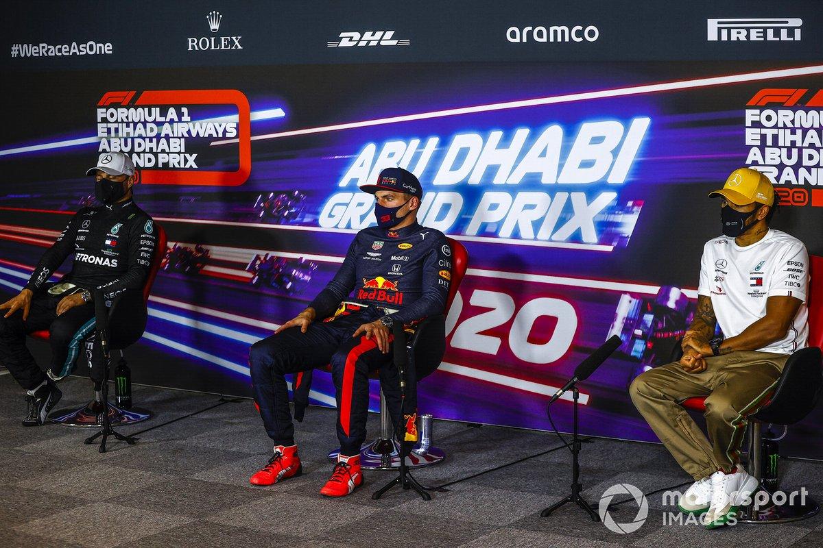 Valtteri Bottas, Mercedes-AMG F1, Max Verstappen, Red Bull Racing, Lewis Hamilton, Mercedes-AMG F1, en la conferencia de prensa después de la carrera