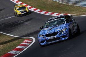 #888 BMW M2 CS Racing: Florian Weber, Davide Dehren