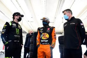 Kurt Busch, Chip Ganassi Racing, Martin Truex Jr., Joe Gibbs Racing