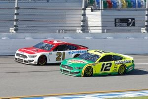 Ryan Blaney, Team Penske, Ford Mustang Menards/Libman, Matt DiBenedetto, Wood Brothers Racing, Ford Mustang Motorcraft/Quick Lane