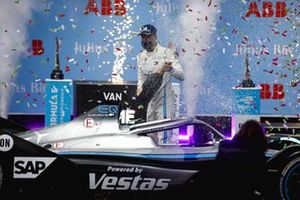 Race winner Stoffel Vandoorne, Mercedes-Benz EQ celebrates in parc ferme with the champagne