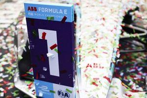 Position marker for Stoffel Vandoorne, Mercedes-Benz EQ, EQ Silver Arrow 02, 1st position, in Parc Ferme