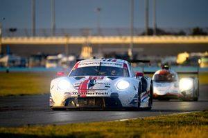 #79 WeatherTech Racing Porsche 911 RSR - 19, GTLM: Cooper MacNeil, Gianmaria Bruni, Richard Lietz, Kevin Estre