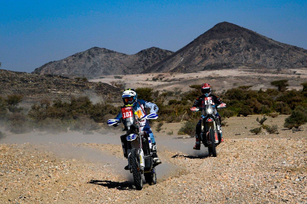 #107 Team JBRally Yamaha: Giovanni Stigliano, #62 Nomadas Adventure KTM: Andrew Joseph Houlihan