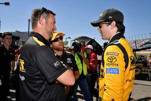 Erik Jones, Joe Gibbs Racing, Toyota Camry DeWalt e la crew chief Chris Gayle