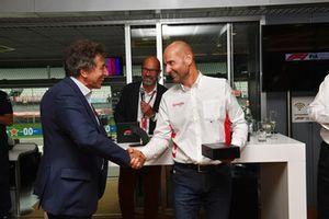 Le journaliste Giuseppe Allievi (Pino), au F1 Hall of Fame