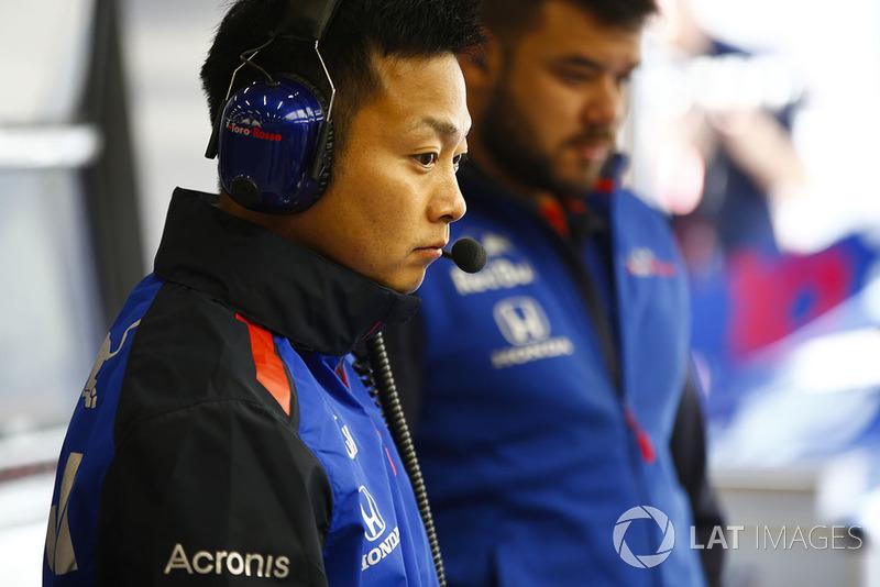 Inżynierowie Toro Rosso Honda przy pracy