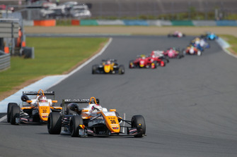 Sho Tsuboi (TOM'S) leads the Japanese F3 field