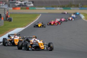 Sho Tsuboi (TOM'S) leads the Japanese F3 field