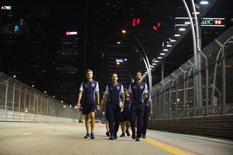 Sergey Sirotkin, Williams Racing walks the track