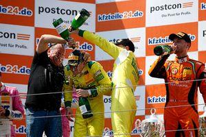 Podium: Winners #48 HTP Motorsport Mercedes-AMG GT3: Indy Dontje, Maximilian Buhk
