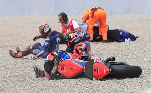 Stefan Bradl, HRC Honda Team, Maverick Viñales, Yamaha Factory Racing crash