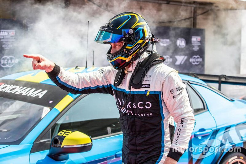 Race winner Thed Björk, Cyan Racing Lynk & Co 03 TCR
