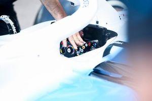 Williams Racing FW42 cabina di pilotaggio e volante