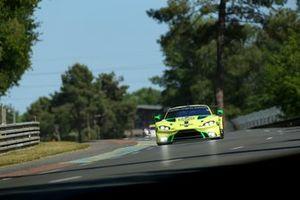 #97 Aston Martin Racing Aston Martin Vantage AMR: Alex Lynn, Maxime Martin, Jonathan Adam, Ross Gunn