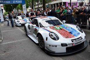 #93 Porsche GT Team Porsche 911 RSR, #94 Porsche GT Team Porsche 911 RSR