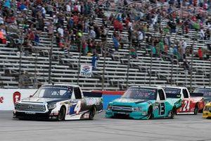 Todd Gilliland, Kyle Busch Motorsports, Toyota Tundra Mobil 1, Johnny Sauter, ThorSport Racing, Ford F-150, Brett Moffitt, GMS Racing, Chevrolet Silverado