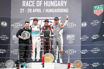 Podium: Race winner Néstor Girolami, ALL-INKL.COM Münnich Motorsport Honda Civic Type R TCR, second place Jean-Karl Vernay, Leopard Racing Team Audi Sport Audi RS 3 LMS, third place Daniel Haglöf, PWR Racing CUPRA TCR