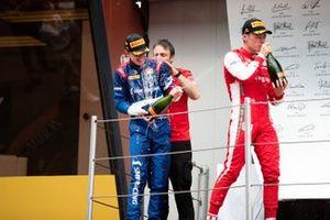 Podium: race winner Robert Shwartzman, PREMA Racing, third place Marcus Armstrong, PREMA Racing