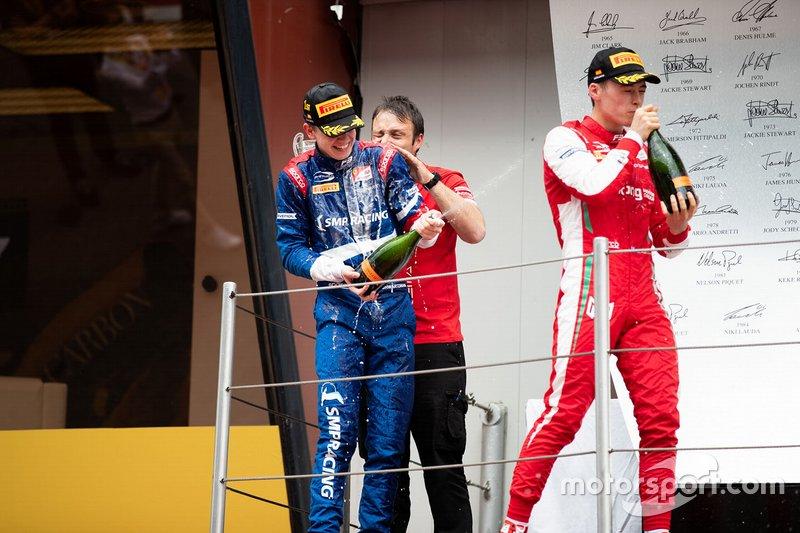 Podium : le vainqueur Robert Shwartzman, PREMA Racing, le troisième, Marcus Armstrong, PREMA Racing