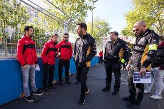 Lucas Di Grassi, Audi Sport ABT Schaeffler, Jean-Eric Vergne, DS TECHEETAH walk the track