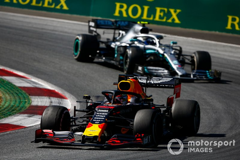 Max Verstappen, Red Bull Racing RB15, Valtteri Bottas, Mercedes AMG W10