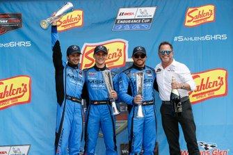 #86 Meyer Shank Racing w/ Curb-Agajanian Acura NSX GT3, GTD: Mario Farnbacher, Trent Hindman, Justin Marks, podio