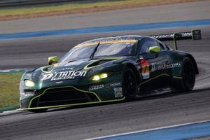 #7 D'station Racing AMR Aston Martin Vantage GT3: Tomonobu Fuji, Joao Paulo de Oliveira