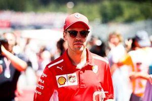 Sebastian Vettel, Ferrari, lors de la parade des pilotes