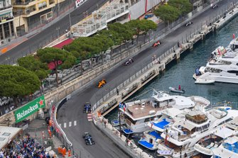 Nicholas Latifi, Dams, Louis Deletraz, Carlin, leads Dorian Boccolacci, Campos Racing