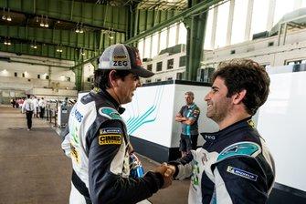 Cacá Bueno, Jaguar Brazil Racing, is congratulated by Sérgio Jimenez, Jaguar Brazil Racing