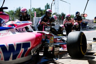Sergio Perez, Racing Point RP19, makes a stop during practice