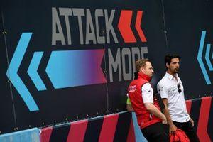 Lucas Di Grassi, Audi Sport ABT Schaeffler, cammina sulla pista