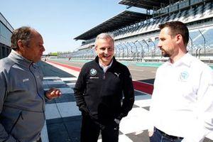 Gerhard Berger, presidente de ITR, Jens Marquardt, director de BMW Motorsport, Dr. Florian Kamelger, fundador y propietario de AF Racing AG y director del equipo R-Motorsport.