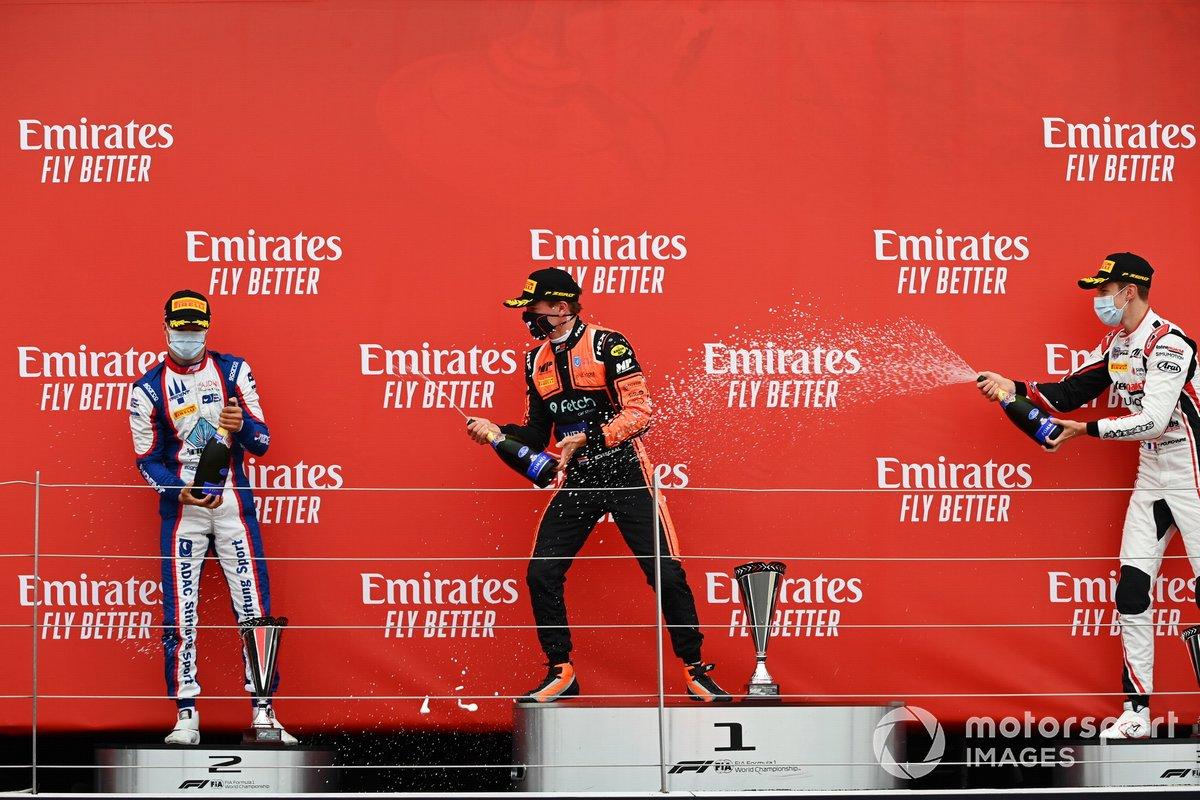 Podio: Bent Viscaal, MP Motorsport, Lirim Zendeli, Trident y Theo Pourchaire, ART Grand Prix
