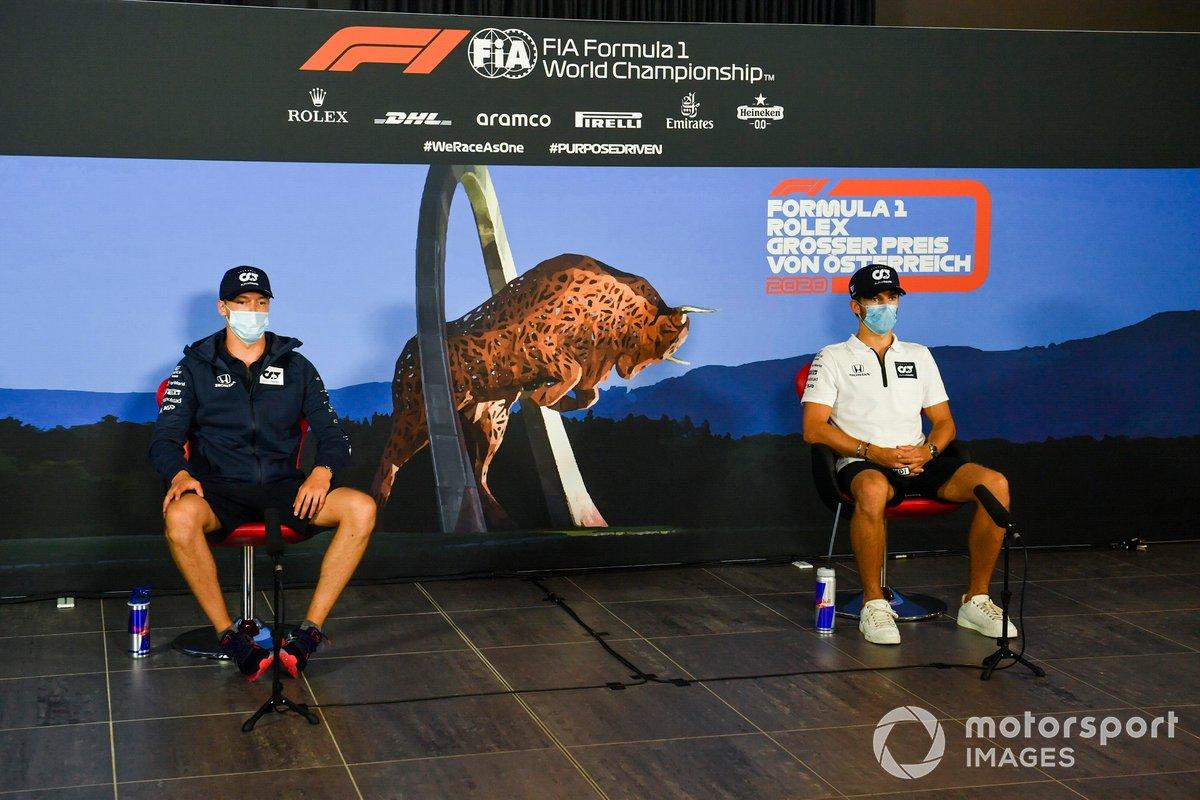 Daniil Kvyat, AlphaTauri and Pierre Gasly, AlphaTauri durante la conferenza stampa