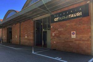 Test sérologiques à l'usine AlphaTauri