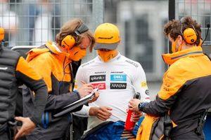 Ландо Норрис, McLaren, на стартовой решетке