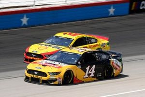 Clint Bowyer, Stewart-Haas Racing, Ford Mustang Rush Truck Centers, Joey Logano, Team Penske, Ford Mustang Shell Pennzoil