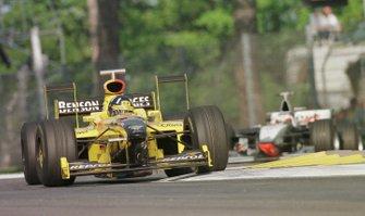 Damon Hill, Jordan 198 Mugen-Honda, Mika Hakkinen, McLaren-Mercedes