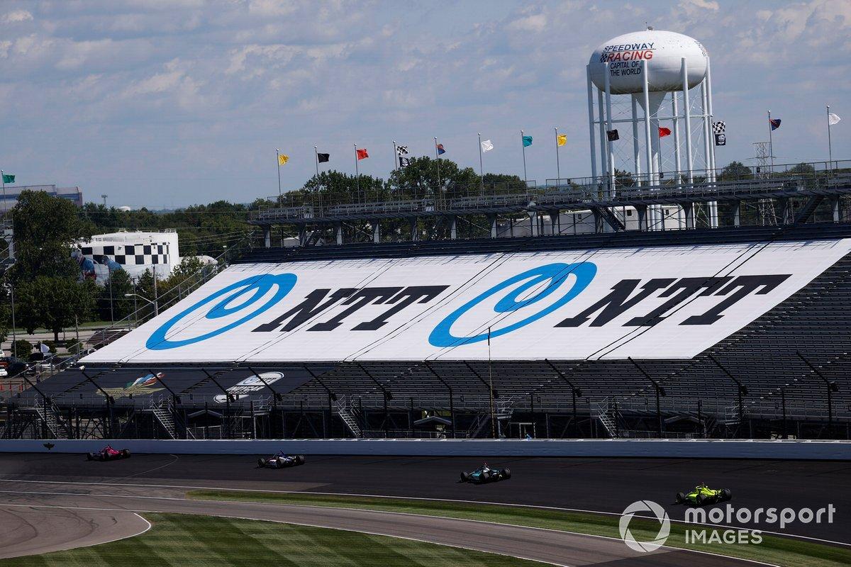 Graham Rahal, Rahal Letterman Lanigan Racing Honda, Dalton Kellett, A.J. Foyt Enterprises Chevrolet, Simon Pagenaud, Team Penske Chevrolet