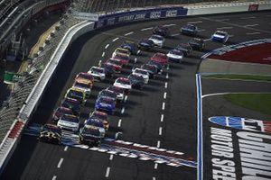 Kyle Busch, Joe Gibbs Racing, Toyota y Ross Chastain, Kaulig Racing, Chevrolet Camaro lideran el inicio