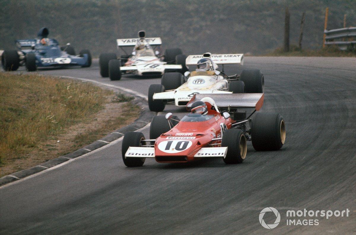 Jacky Ickx, Ferrari 312B2, Carlos Reutemann, Brabham BT37 Ford, Denny Hulme, McLaren M19C Ford, y François Cevert, Tyrrell 006 Ford