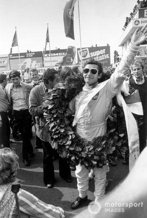 Race winner Jacky Ickx, Ferrari 312B2