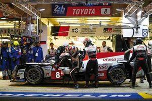 La Toyota #8 dans les stands